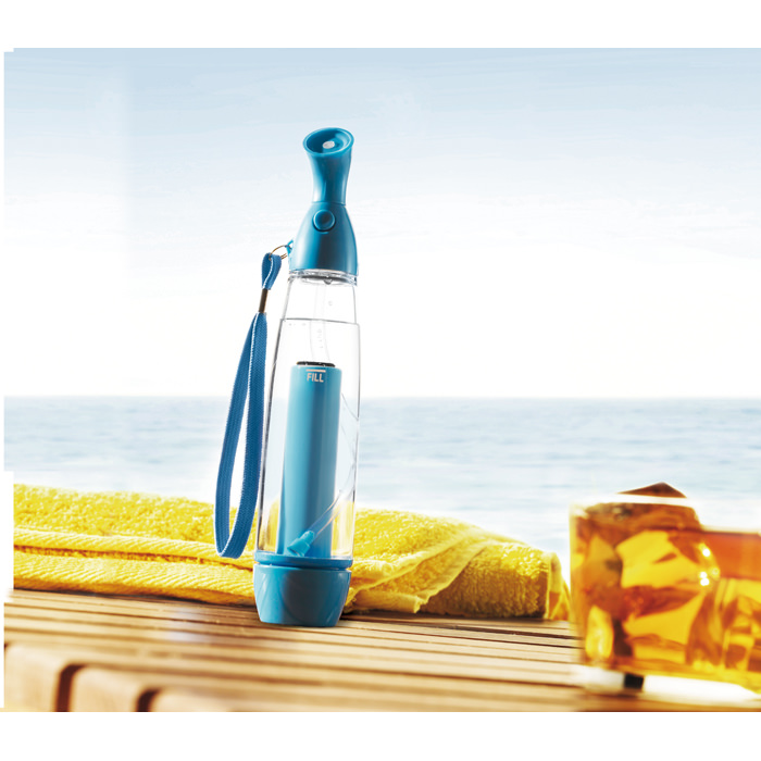 Spray per acqua con cordoncino. In ABS