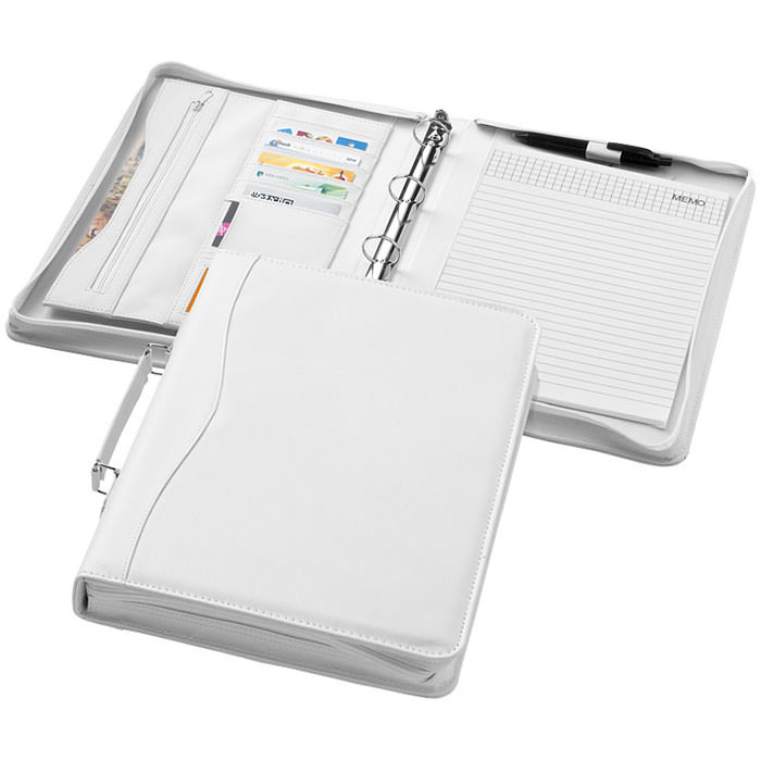 Portfolio Ebony A4. Cartellina con impugnatura, chiusura a zip, classificatore, tasca con zip e scomparti portadocumenti. Include un block notes a righe da 20 pagine. Penna e accessori non inclusi. Similpelle.