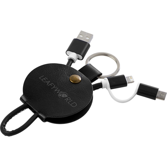 Cavo di ricarica 3 in 1. Il cavo 3 in 1 Gist è contenuto in una morbida custodia protettiva e include una presa USB tipo C e una doppia presa 2 in 1 compatibile con dispositivi Apple iOS e Android.
