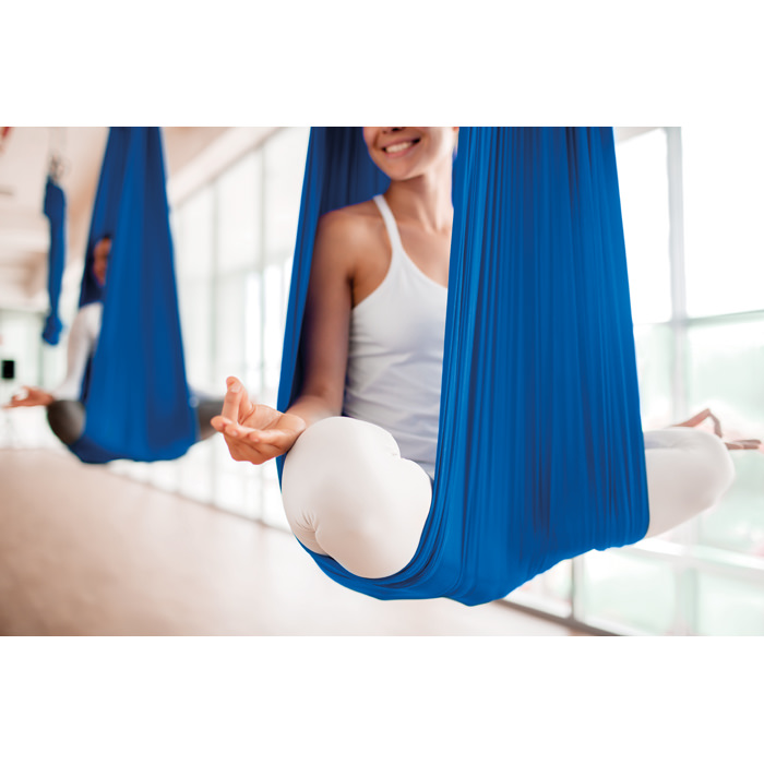 Amaca per yoga o pilates, in nylon morbido 210D, include cinghie di prolunga e moschettoni in acciaio, maniglie in schiuma, supporto a soffitto e viti. In custodia. Max. 200 kg.